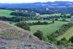 Provodín, v pozadí lom na Maršovickém vrchu.