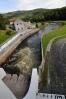 Jeho 25 m vysoká hráz je dlouhá 296 m. Zadržet může až 186 milionů m3 vody. Při povodních v roce 2002 byl přítok do Lipna 470 m3/s, odtok 13.8. 2002 320 m3/s. Když pojedete vodu, bohatě stačí svav 10 m3 ve Vyšším Brodu.
