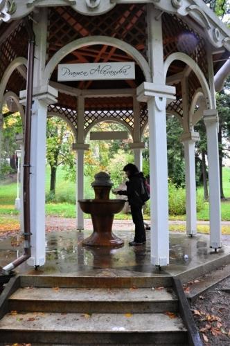 Pramen Alexandra v lázeňském parku