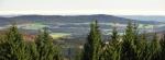 Dobře dohlédneme také na hřeben ke Kluku (741 m n. m.).