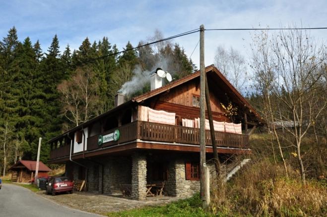 Chata ubytovny NP Šumava na Jeleních vrších.