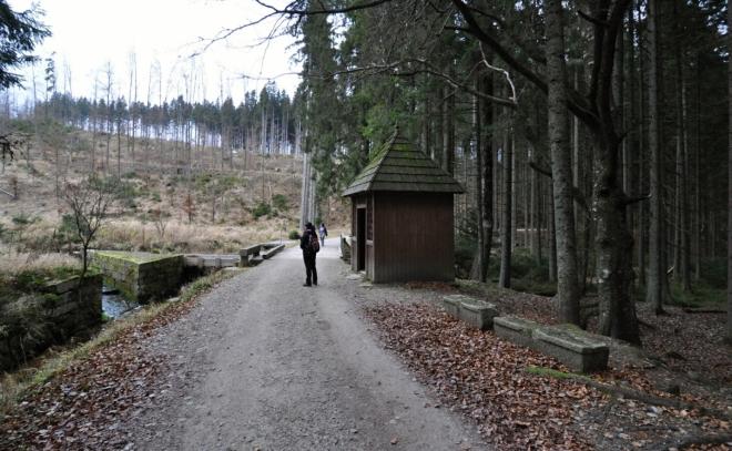 U Rosenauerovy kaple.