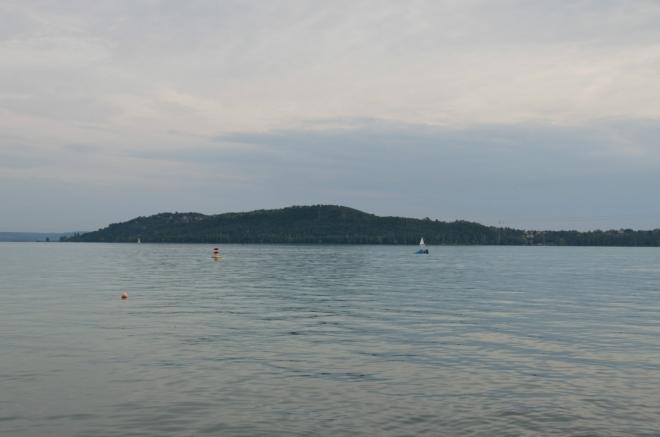 Již zmíněný poloostrov Tihany, tam chceme jít zítra. Při jeho špičce se Balaton zužuje na pouhý kilometr.
