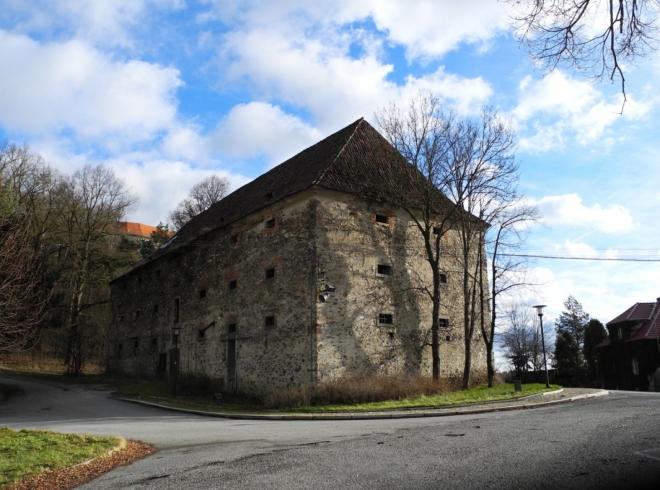 Starý špýchar ve Střele. Pochází z 16. st. a je postavený z lomového kamene.