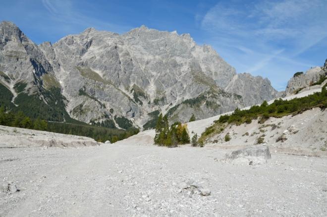Na rovinu přiznávám, že horní část údolí Wimbachtal je jeden z nejzajímavějších kusů krajiny, jakými jsem kdy procházel. Navíc jsme si zřejmě nemohli přát lepší počasí.