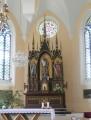 V interiéru kostela