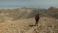 Radka pří zpáteční cestě a krásná panoramata, v oparu vykukují další hory Psiloritis ...