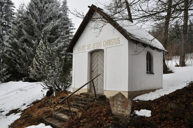 Obnovená kaplička na Bučině.
