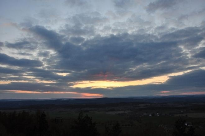 Bohužel hezký západ slunce znemožnily mraky.