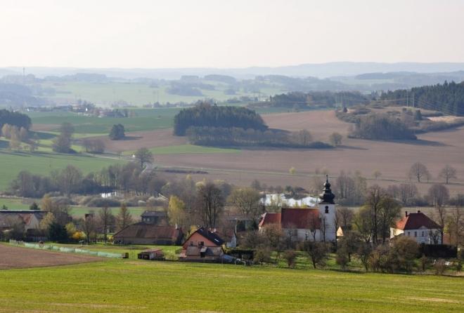 Kostel v Lašovicích.