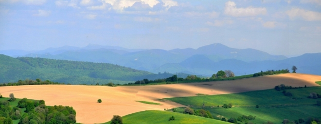 Za hranicemi se Slovenskem leží Strážovské vrchy.