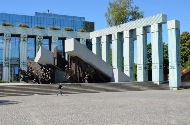 Památník Varšavského povstání, celkem působivý objekt, již trochu dále od centra.