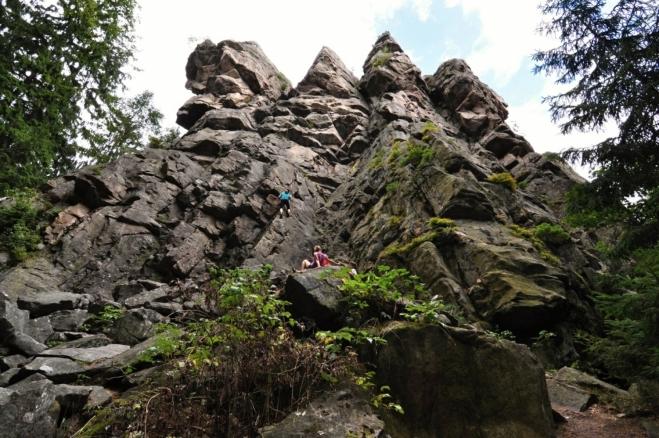 Čtyři palice je soubor vysokých skal, které často využívají horolezci.