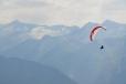 Paraglidisté do něho mohou nakouknout z ptačí perspektivy.