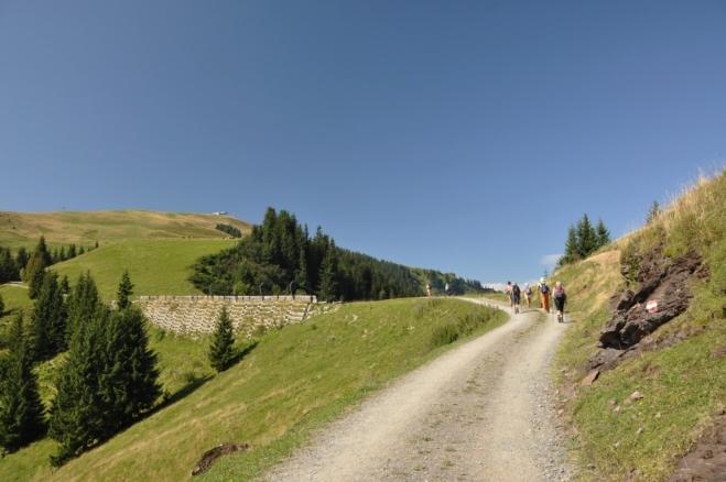 Před námi je první cíl - Langeck (1 899 m n. m.).