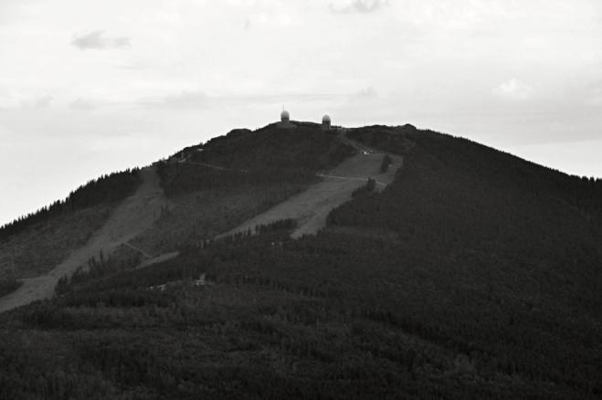 Setmělý Velký Javor. Výstup na vrchol nás čeká zítra.