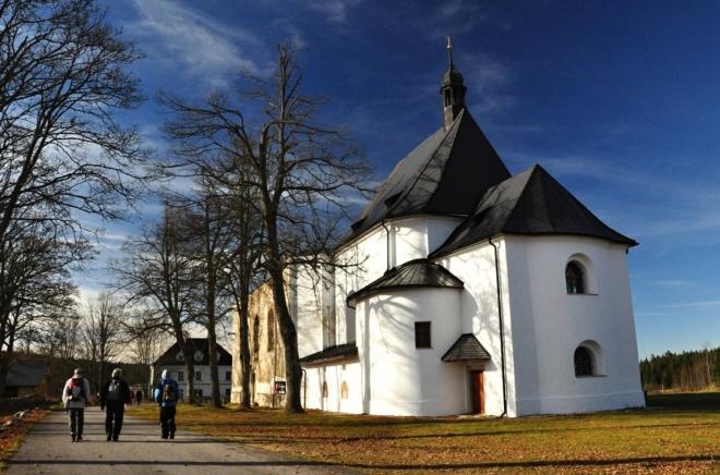Druhý okruh nás povede k nejvyšší hoře české strany Novohradských hor, Kamenci.