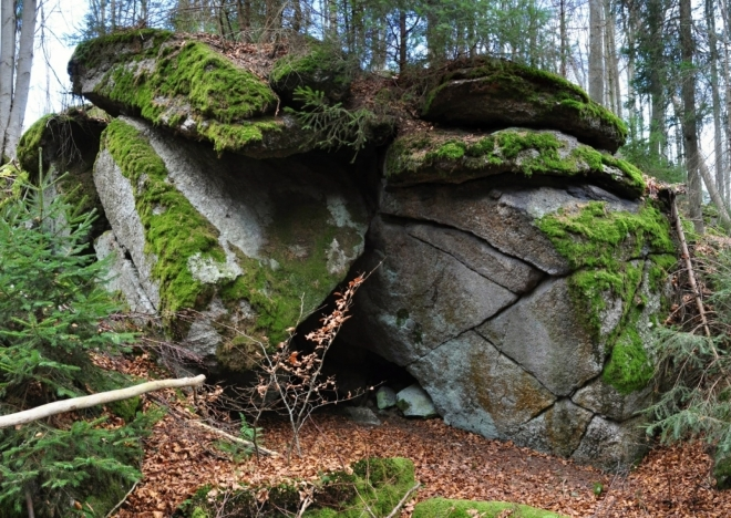 Jeskyňka.