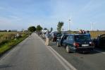 Fronta na trajekt z Puttgardenu do Rødby se bohužel táhne více než kilometr od přístavu a nyní úplně stojí.