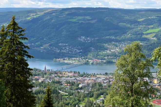 Krásný výhled na historickou část Lillehammeru