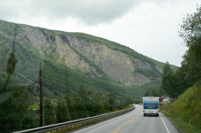 Během stovky kilometrů přejezdu se krajina opět změní.