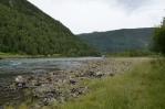Řeka Otta přímo za kempem. Večer zde bude slušná zima.