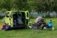"""Díky jednomu z Honzů máme s sebou skvělou kempingovou výbavu – stoleček a židličky. Myslíme, že většina lidí v norském kempu musí """"těm Slovákům v Renaultu"""" tiše závidět :-)"""
