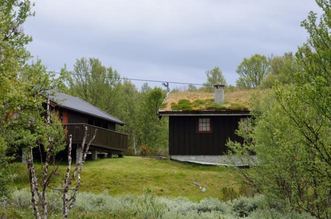 Již delší dobu příležitostně potkáváme různá vesnická stavení.