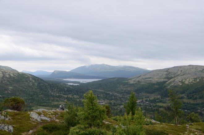 Výhled přes Mysusæter na jihovýchod, v pozadí jezero Furusjøen