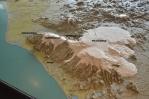 Část 3D modelu Islandu na radnici zobrazující okolí naší cesty ze Skógaru do Thórmörku (s doplněnými popisky).