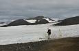 Cesta průsmykem vede rovněž po sněhu.
