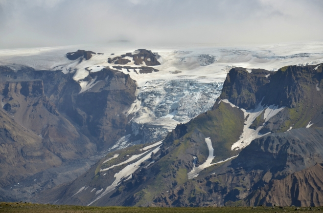 Jeden z mnoha splazů Mýrdalsjökullu