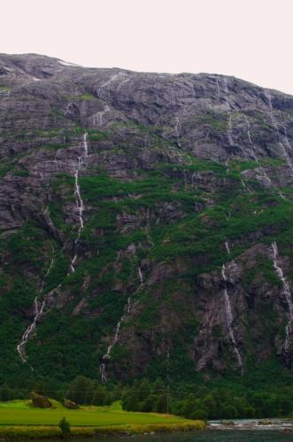 Množství vodopádů je v těchto místech opravdu dechberoucí.