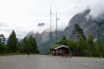 Parkoviště pod vodopádem Mardalsfossen, Norsko