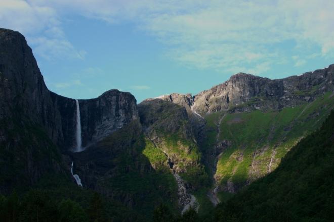 Hned po tom, co rozlepíme oči, naše pohledy spočinou na této překrásné scenerii!