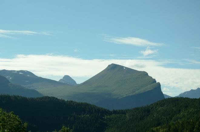 Uhrančivý vrchol jihozápadně od Åndalsnes