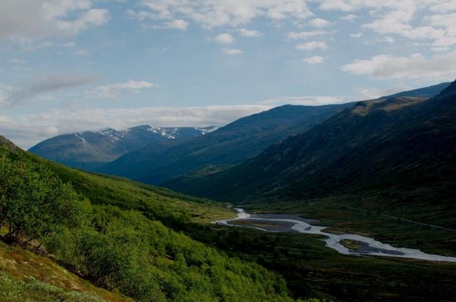 Pohled na opačnou stranu údolí Visdalen. Odtud jsme před chvílí přijeli.
