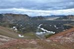 Výhled na lávové pole z fialového hřebínku