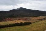 Kletečná (706 m n. m.).je nejbližším vrcholem.