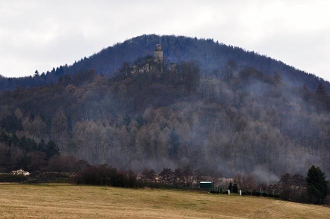 Kostomlaty a hora Pařez.