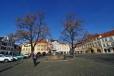 Mírové náměstí - Kamenná kašna. Opět fotím širokoúhlou Tokinou 11-16mm.