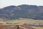 Třebovická věž, v pozadí Bulový (952 m n. m.).