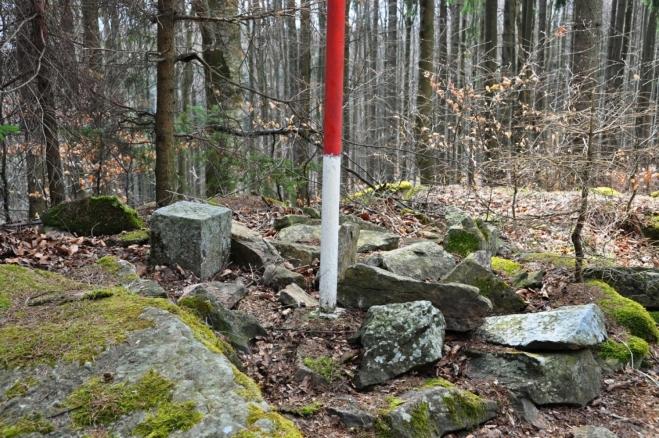 Albertov (932 m n. m.).