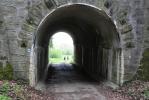 Nedaleko Výhně lze dohledat i původní kamenný můstek koněspřeżné dráhy.