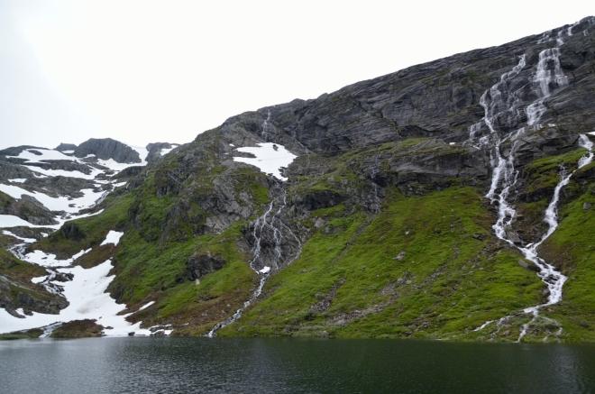 Pokračujeme stále na jih. Na fotce taková ta norská klasika, však to znáte.