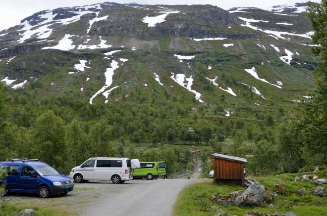 ...což znamená, že parkujeme, zhruba 750 metrů nad mořem. Vypadá to, že si dnes po delší době užijeme túru bez návalu turistů.