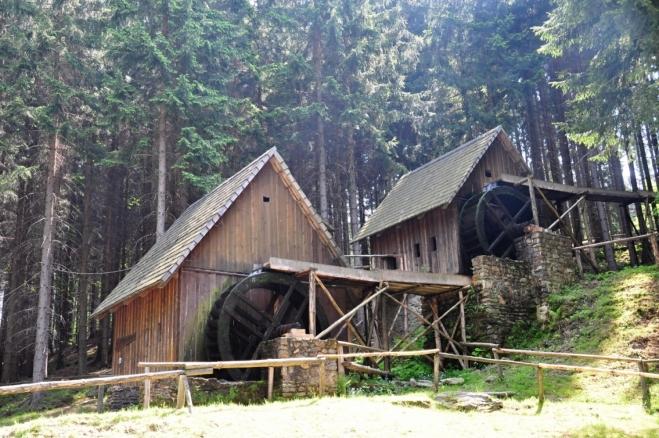 Zlatorudné mlýny v Údolí ztracených štol.