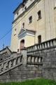 Trojlodní barokní kostel Nanebevzetí Panny Marie patří svoji rozlohou k dominantám města Zlaté Hory. Historie kostela spadá zřejmě již do poloviny 13. století, následné zmínky jsou z let 1339 a 1377. Již tehdy byl kostel vybudován jako gotická trojlodní stavba, která byla v dalších letech upravována.