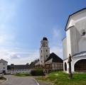 Komplex zámku se zříceninou hradu Kolštejn – renesanční komplex budov, tvořící urbanistický celek s bývalým fojtstvím a farním kostelem.