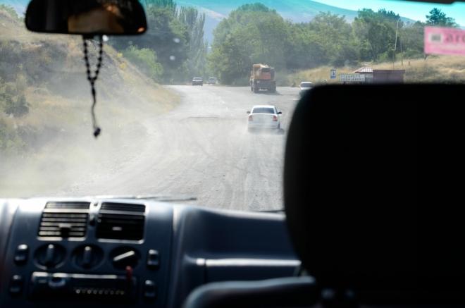 Po civilizovaném Jerevanu máme zase trochu změnu dopravního prostředí.